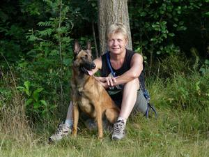 Lydia van Wyngaerd with rescue dog Laxmi